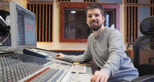 Mixing & Mastering Engineer - Daniel Szanto