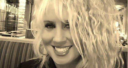 Singer, songwriter, recording  - Deloria Thomas