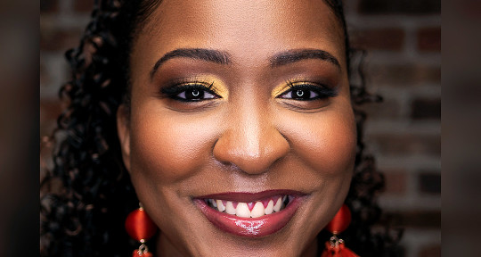 Vocalist & Songwriter - Lynda Starr