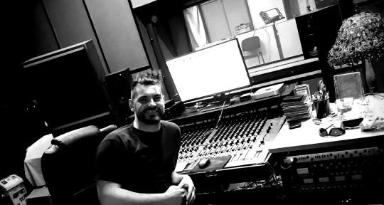Producer Mix&Master Guitarist - Bence Partos