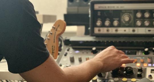 Producer, mixer & Keyboardist - Sjoerd de Vries