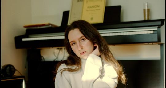 Music Producer, Vocalist - Anna Massek