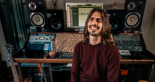 Grammy-Winning Mixing Engineer - Nahuel Bronzini