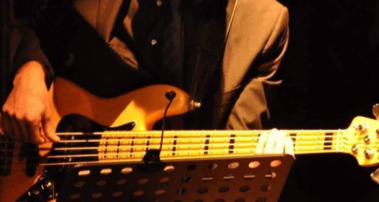 Professional Bass Player - Emanuele La Barbera