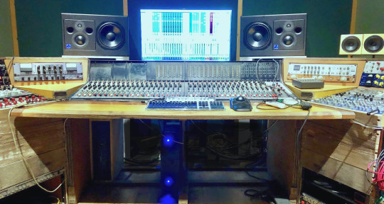 Mixing and Mastering - Ofer Tiberin @ Momek