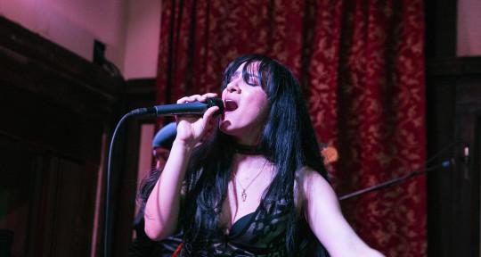 Singer (Bilingual) - Sarah Vincenty