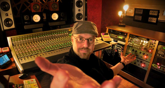 Analog Mixing Engineer - Daniel Duskin