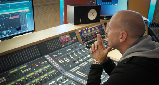 Mixing and Mastering Engineer - Henning@Xpoint1