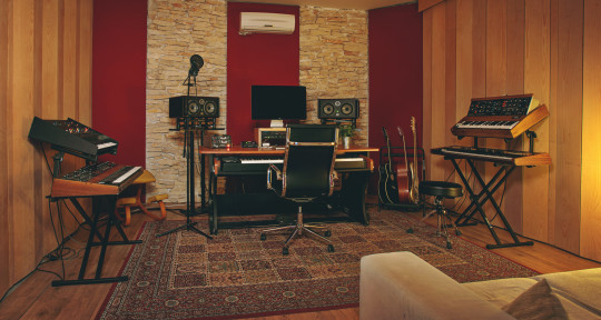 Production House - Redmojo Studios