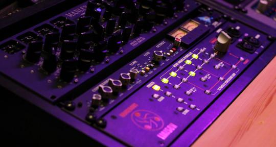 Mixing & Mastering Engineer - Eray Polat