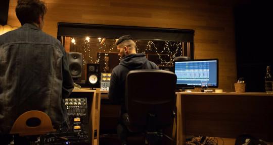 Producer / Mixing / Guitarist - ØLYMPUS Music