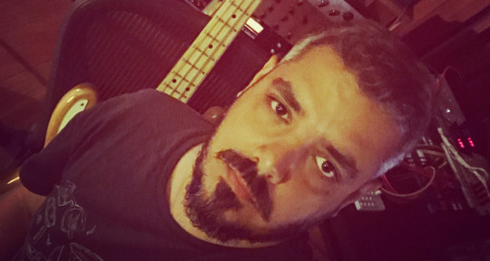Bass Player, Music Producer - AndreVasconcellos