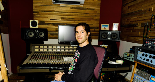 Mixing Engineer & Producer - Julian Schweitzer