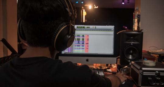 Mixer,Drummer,Recording Studio - bfr980