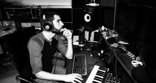 Music & Multimedia Producer - Mike Davis