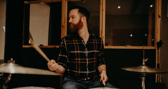 music producer/session drummer - Ábel Mihalik