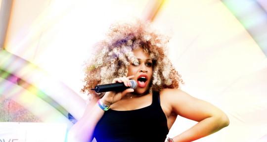 Session Singer - Tia Simone