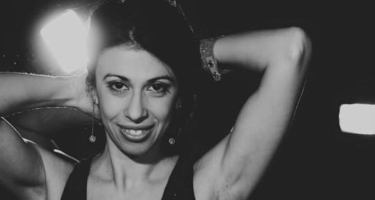 Female Singer original & cover - Elena Ravelli Italian Singer