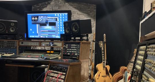 Mixer, Producer, Guitarist  - Hanan Rubinstein