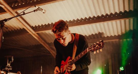 Session Guitarist - Charles Macdonald
