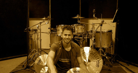 Beat Maker / Session Drummer - Abraham Buchanan