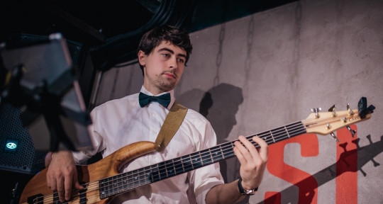 Session bass player - Oleh Mytrofanov