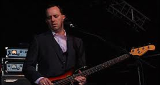 Session Bass Player/David Gray - Robbie Malone