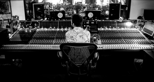 Mix Engineer & Producer - Alex Borwick