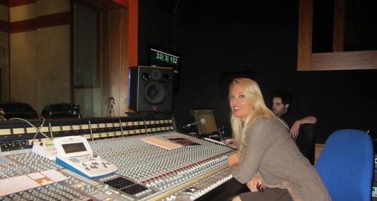 Top recording producer - Laura Lungu