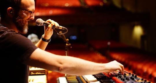 B3 / Piano / Keys / Accordion - Dan Walker