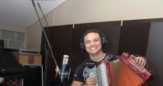 Session Accordionist - Luis Javier Hernández