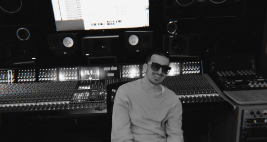 Record Producer | Songwriter - Bobby Mill