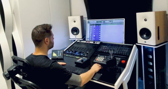 Mixing Engineer and Producer - Salva Ballesteros