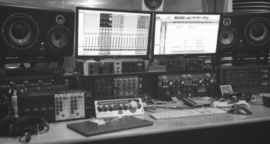 Producer/Engineer/Mixer - Sean Stack