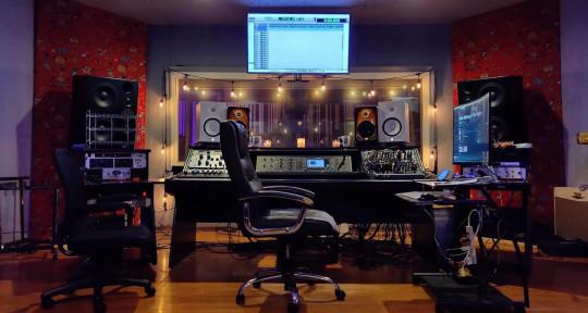 Recording Studio - Weird Music Studios