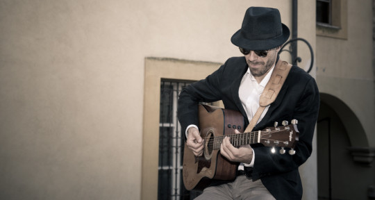 Singer, guitarist, songwriter  - Bob Forte