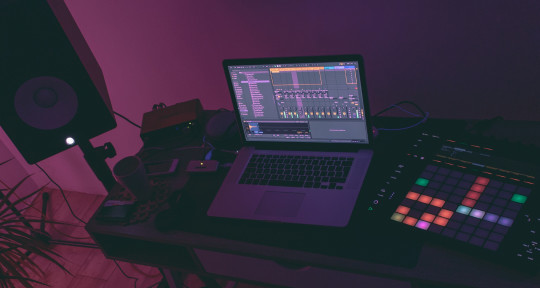 Music Producer, Beat Maker - Iriz Beats