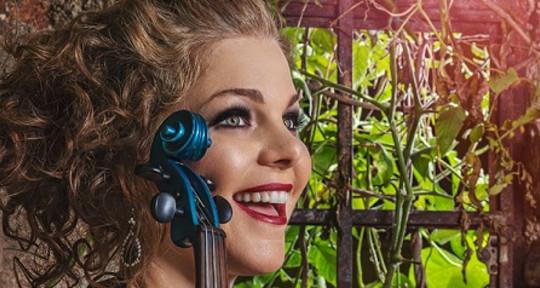 Violinist Extraordinaire - Kristel Birkholtz-Violinist