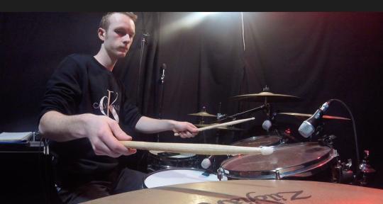 Session drummer - Bradey Curtis