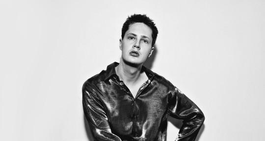 Singer/Songwriter - Simon Mac