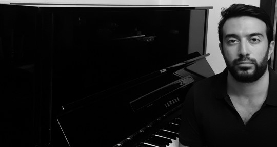 Session Pianist, and Composer - Elias H
