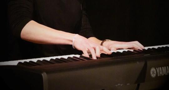 Music Producer / Pianist - Mart E.