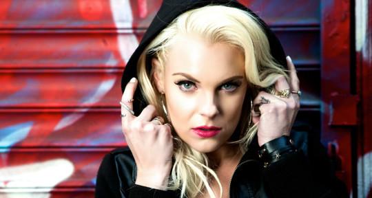 Pro Singer, vocalist, topliner - Chelsea Dash