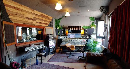 Music producer / engineer - Calloway Berkeley O'Reilly