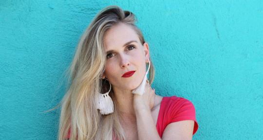 Songwriter, Vocalist, keys - Willow Stephens