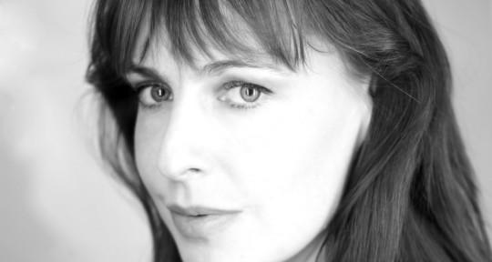 Photo of Amanda Lyon