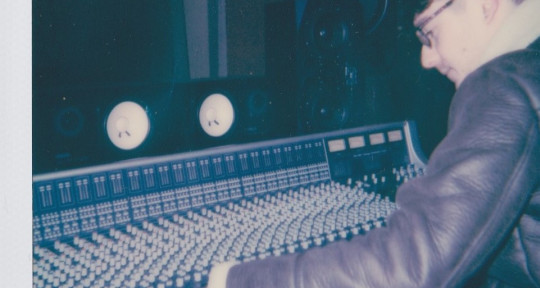 Record Producer & Mixer - Andy Bell