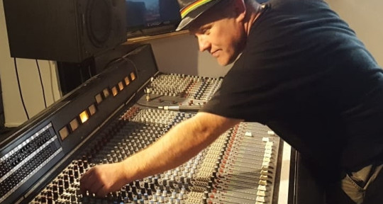 Recording Engineer Musician - Mark Burden