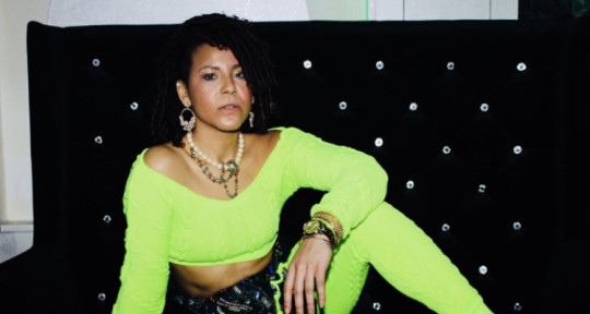 Vocalist, creative writer,vibe - J.Brytni