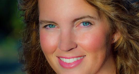 Headliner, Session Singer - Deanna Julian